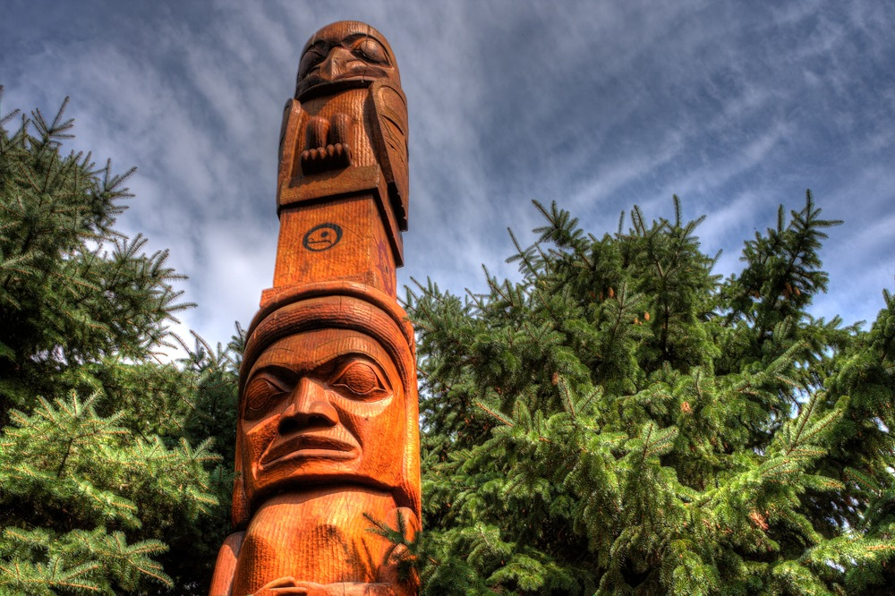Carved wooden totem rochester ny jazzersten s hdr