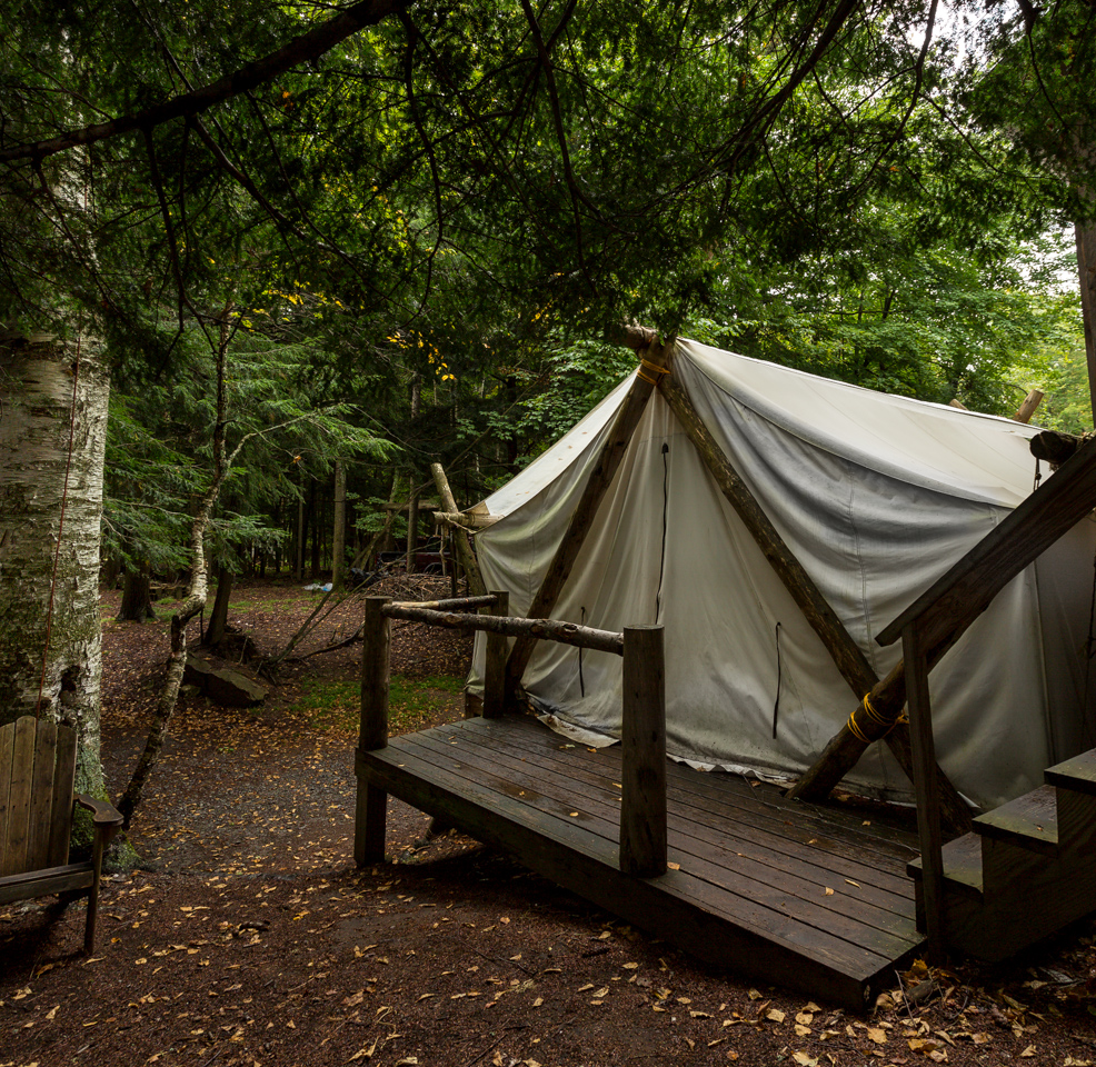 Woods inn wall tent sleeping adirondacks jazzersten 39 s for Wood tents