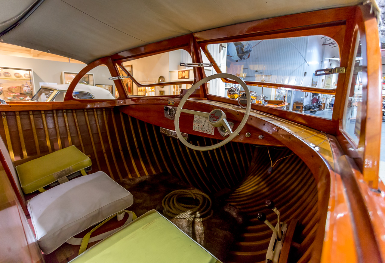 Wooden Boat Jazzerstens Hdr Blog Panel Dashboard This Small Was Made By The Penn Yan Co Of Keuka Lake In 1958 We Have Stuck Our Head Into Interior And Are Loking At